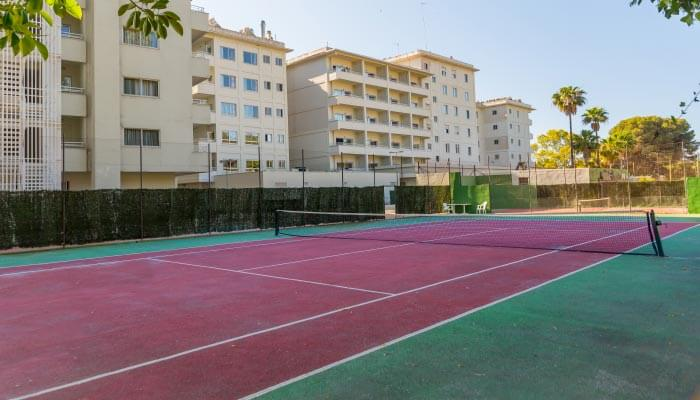 play tennis at the hotel roc costa park in malaga