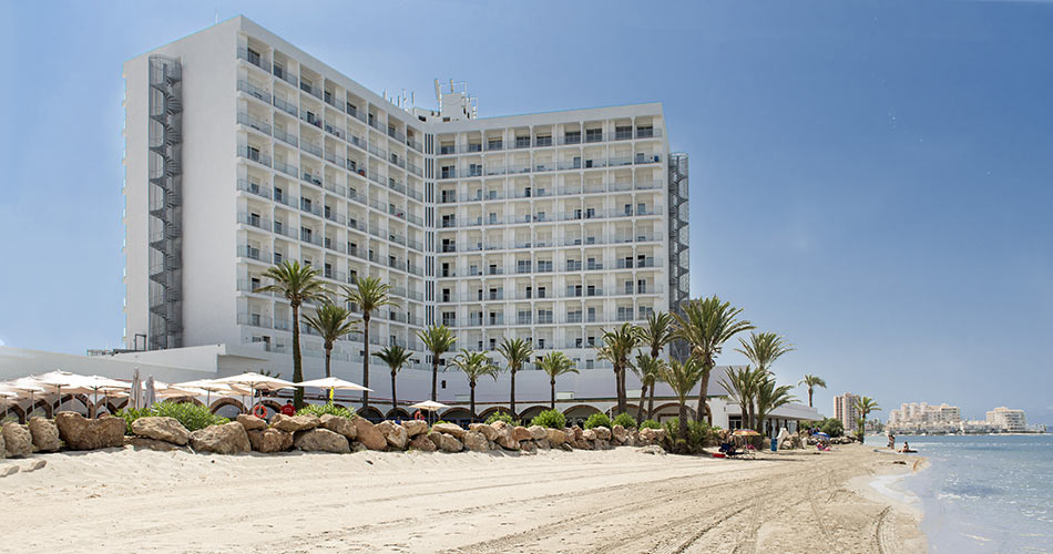 Hotel Roc Doblemar located in front of the beach