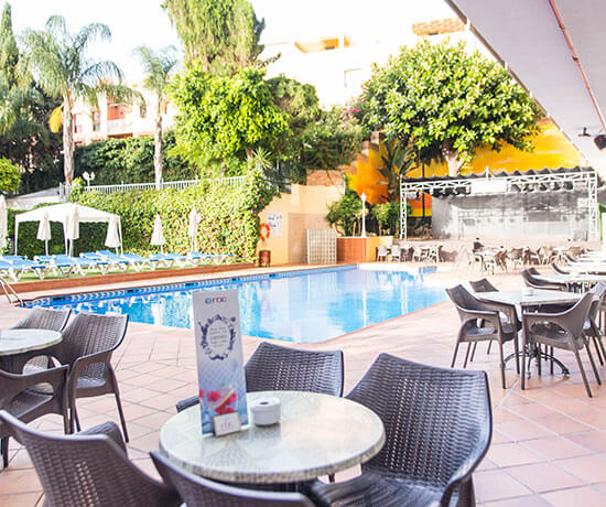 restaurant near the pool of the hotel roc flamingo in malaga