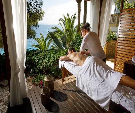 massage service at Hotel Roc Illetas