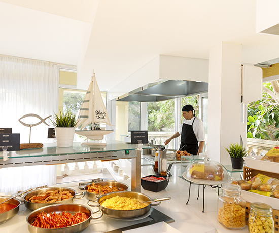 hotel with buffet restaurant in Illetas Mallorca