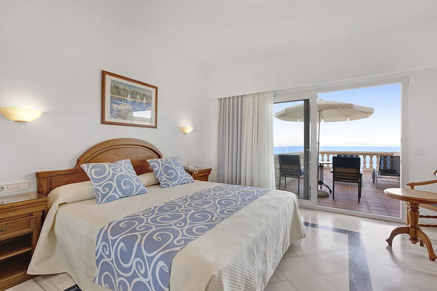 Double room Premium frontal sea view in Illetas
