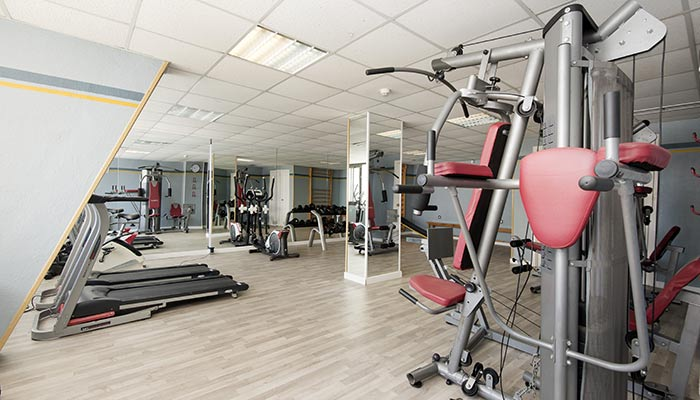 Gym at hotel roc golf trinidad in almería