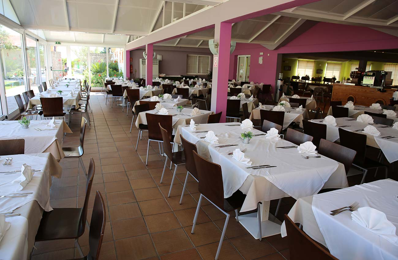 restaurants in the apartments Roc Cala d'en Blanes Beach Club in Ciudadela