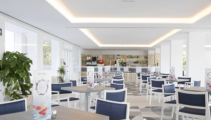 Gastronomic variety in the restaurant of the hotel roc carolina in cala ratjada