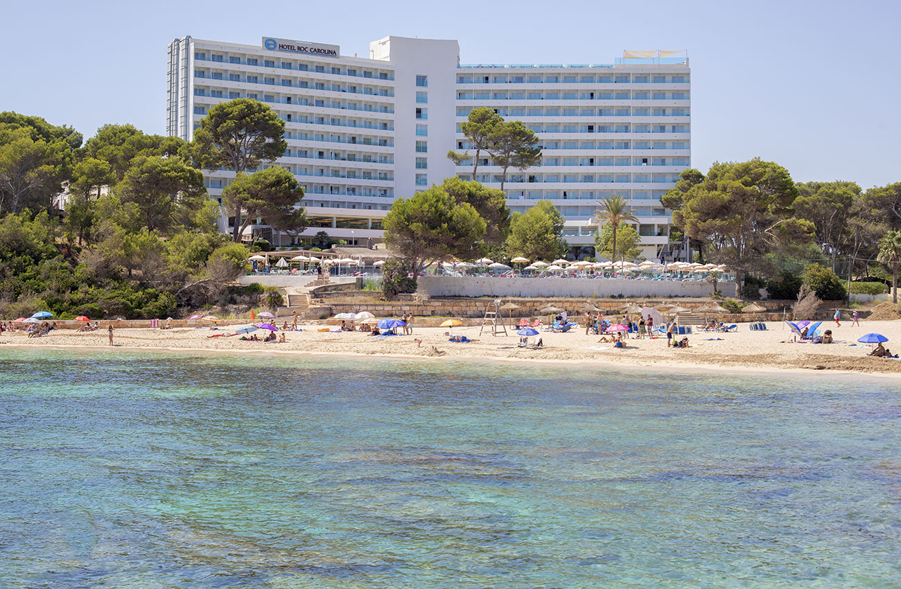 comfortable bedrooms in the hotel roc carolina in cala ratjada