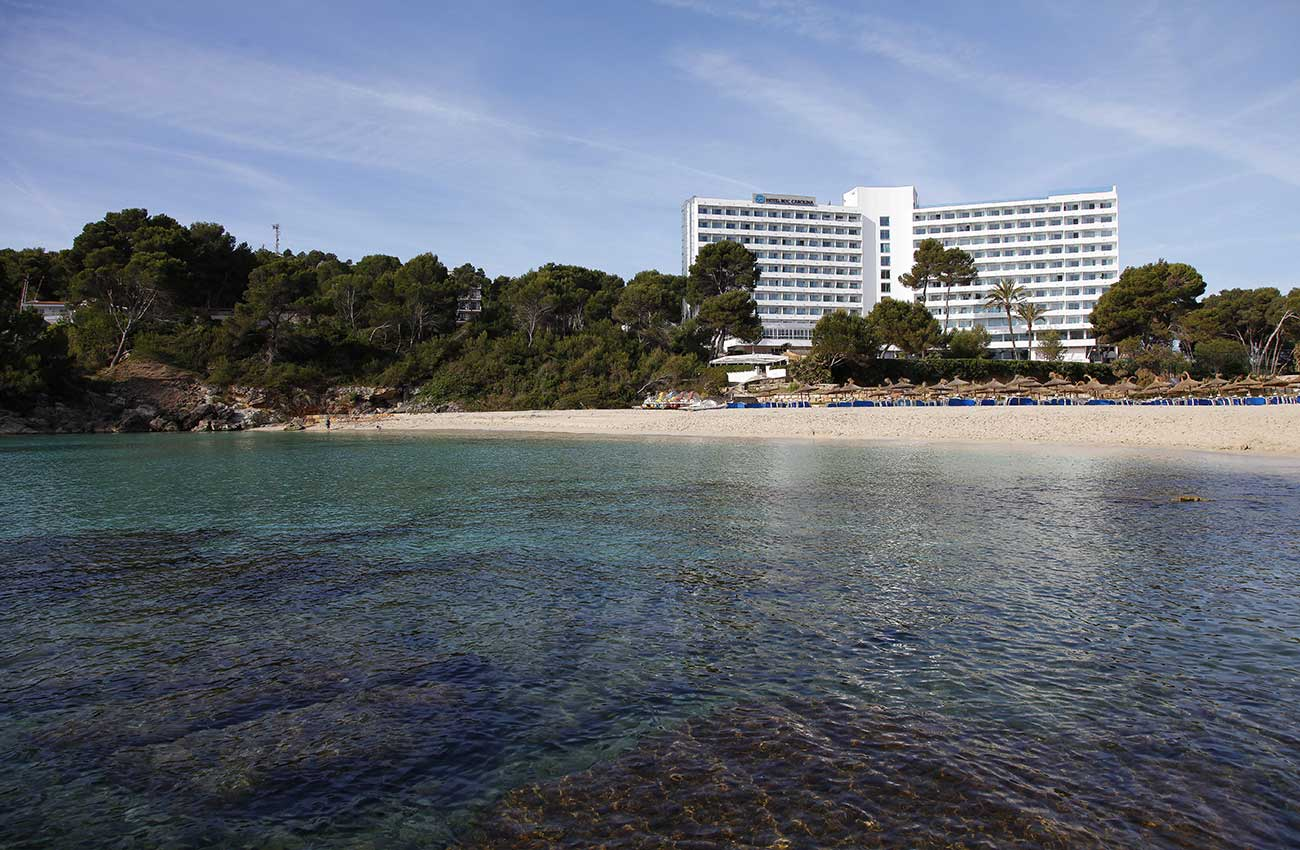 hotel roc carolina beachfront in cala ratjada