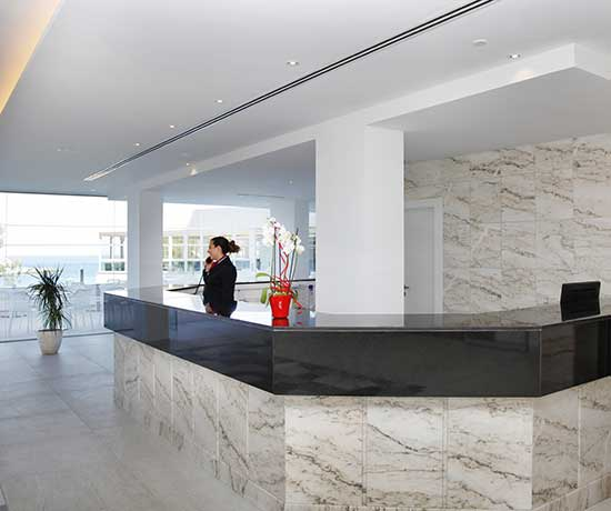 Reception services at the roc carolina hotel in cala ratjada