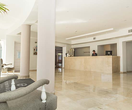 reception services 24 hours during your holidays at the hotel roc marbella park in Marbella