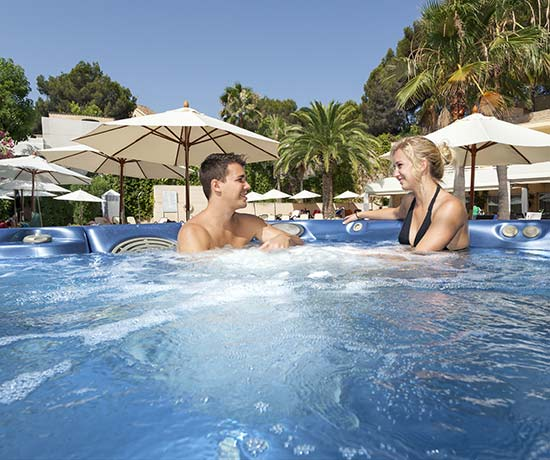 relaxing spa and massage service and body treatments in the hotel roc oberoy en paguera