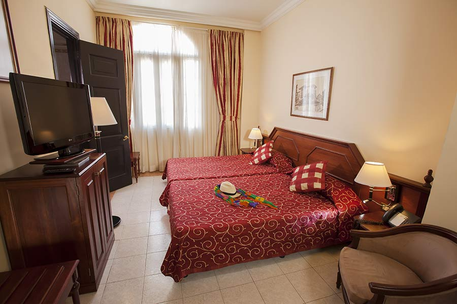 double room individual use hotel roc presidente